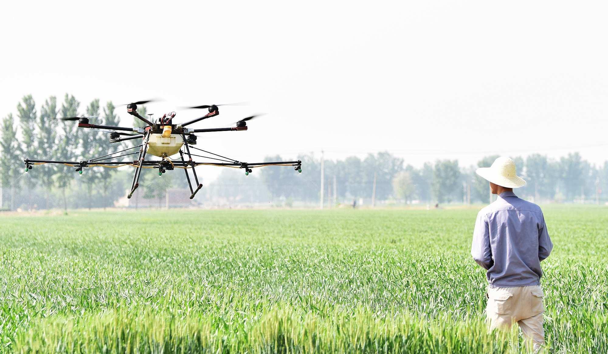 只聞機械聲不見種田人——在定州國家現代農業示范區