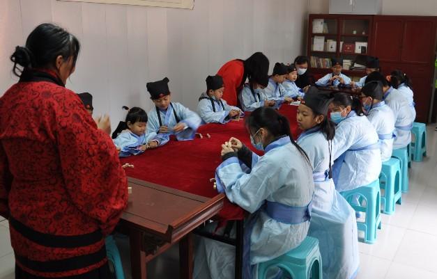 来自石家庄、腾龙公司、正定、藁城等地的孩子们齐聚我市,参加一场别开生面的文化传承研学活动