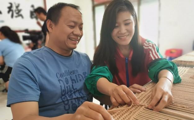 河北山人医疗器械有限公司在市残联的支持下带动20多名残疾人就业