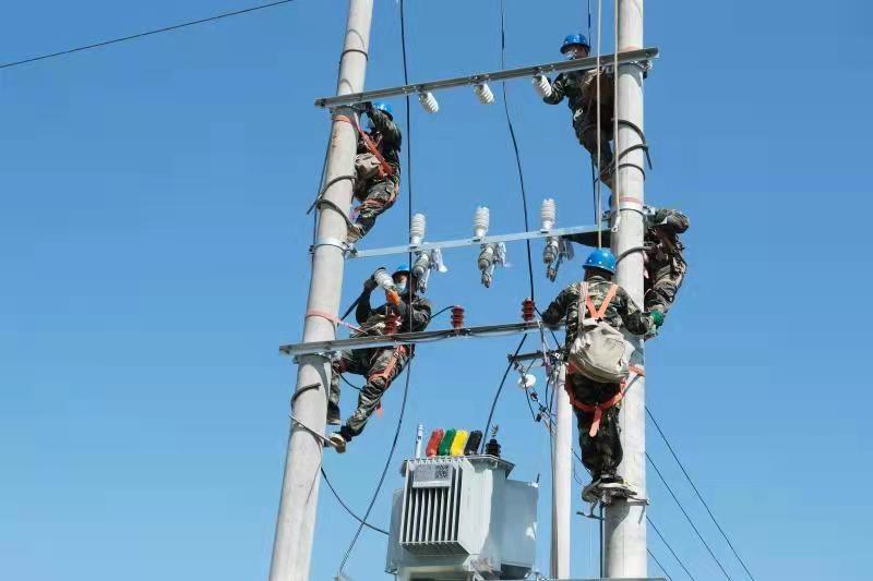 定州市供电公司大力实施美丽乡村电网改造工程